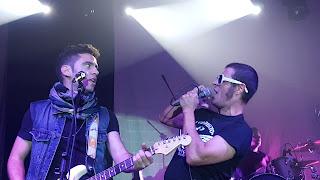 Mario de La Poptelera y Bernardo Vazquez The refrescos