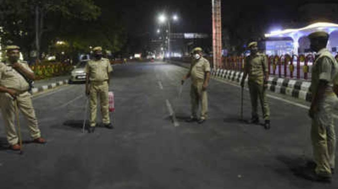 Telangana night curfew: తెలంగాణలో రాత్రి కర్ఫ్యూ.. 8గంటలకు అన్నీ మూసెయ్యాల్సిందే..