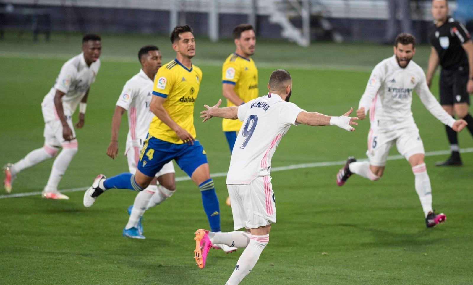 ملخص واهداف مباراة ريال مدريد وقادش (3-0) الدوري الاسباني