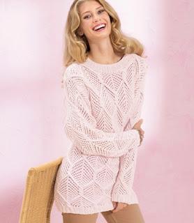 rozovyj-pulover-s-azhurnymi-rombami