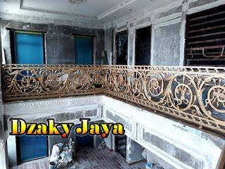 railing-balkon-besi-tempa-balkon-klasik-18