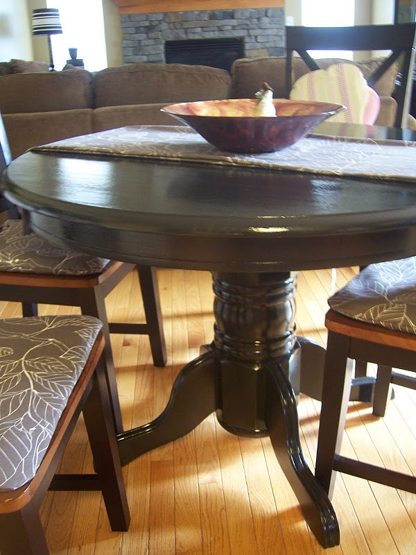 White Wash Wood Dining Table: How To Successfully Paint Furniture