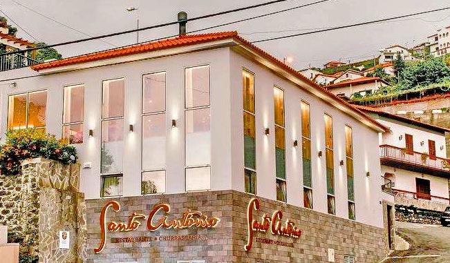 https://www.google.com/maps/dir//Restaurante+Santo+Ant%C3%B3nio,+Estr.+Jo%C3%A3o+Gon%C3%A7alves+Zarco,+Estreito+De+C%C3%A2mara,+Portugal/@32.6726075,-16.9841677,17z/data=!4m8!4m7!1m0!1m5!1m1!1s0xc605f2c126a2b0b:0x36562a3e50f974c8!2m2!1d-16.981979!2d32.672603?hl=en