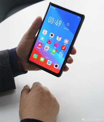 First Look at Oppo's foldable smartphone