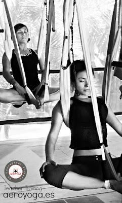 qué es el yoga aéreo, aeroyoga, qué es el aeroyoga, formación yoga aéreo, certificación yoga aéreo, formación aeroyoga, certificación aeroyoga, formación aeropilates, formación pilates aéreo