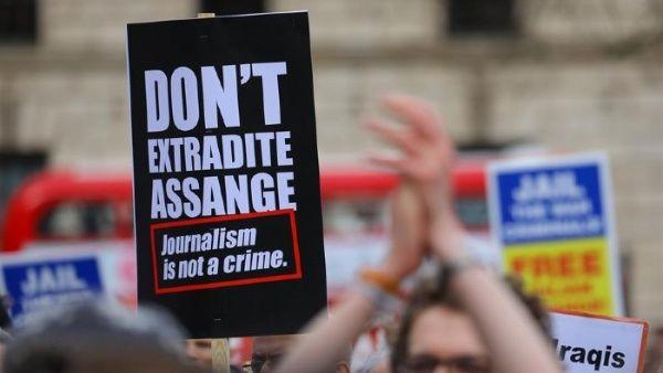 Assange pide libertad condicional ante amenaza de Covid-19