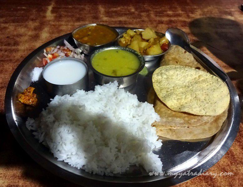 Thali at Pure veg Prachiti restaurant at Devghar Harihareshwar