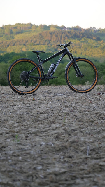 Oli's trail ripper build to keep things entertaining whilst he's not racing.