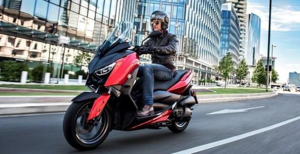 Yamaha XMAX versi 125 cc