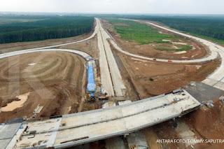 Hutama Karya kebut pengerjaan jalan tol Sumatera
