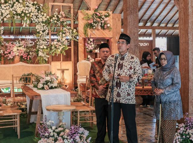sambutan keluarga calon pengantin pria