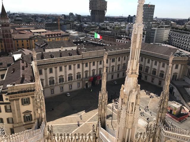 イタリア・ミラノのドゥオーモの屋上からの眺め
