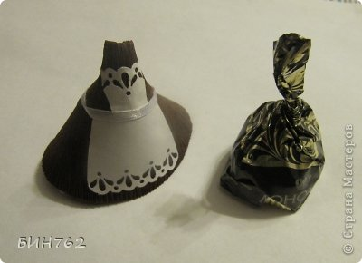 шоколад, подарок на 1 сентября, подарок на День учителя, подарок учителю, подарки школьные, для детей, упаковка подарочная, сюрприз конфетный, школьное, детское, из бумаги, упаковка из бумаги, упаковка своими руками, подарки своими руками, мастер-класс, куколка из конфет, человечки из конфет, голова конфетная, из одной конфеты, сюрприз конфетный, куколка карамельная, первоклассница,