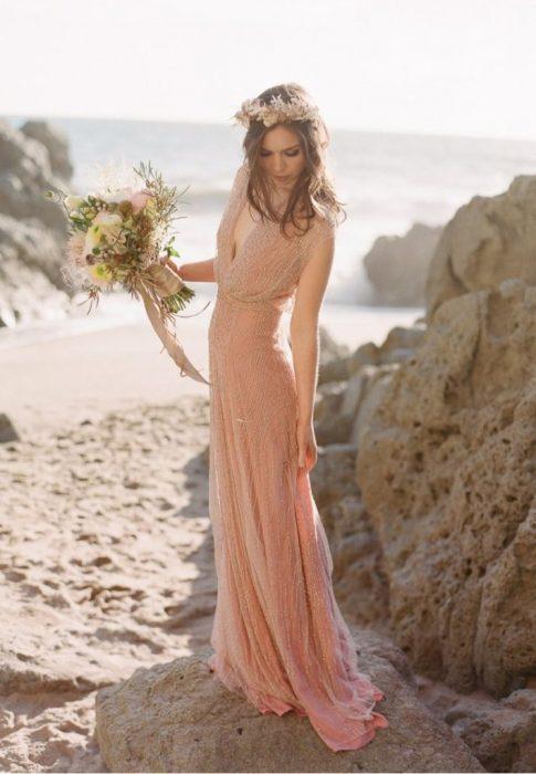 Vestido de novia rosado