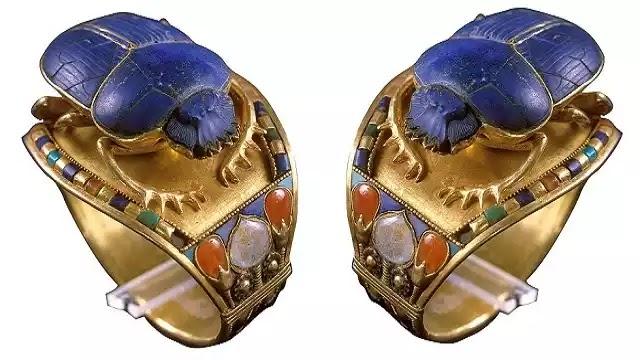 Bracelet of Tutankhamun with Scarab