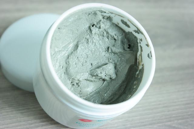 máscara facial, chá verde, skin glam, GlamGlow, esfoliação, argila verde, poros, retração de poros, manchas de pele, oleosidade, verão, cronograma, facial, tratamento, clareamento, desintoxicação,