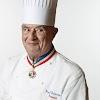 Paul Bocuse en el recuerdo de su muerte con cinco postres del  chef