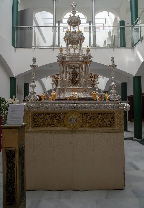 La Hdad de San Bernardo de Sevilla expone su tesoro
