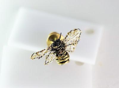 honey bee pin, bee brooch, art jewelry