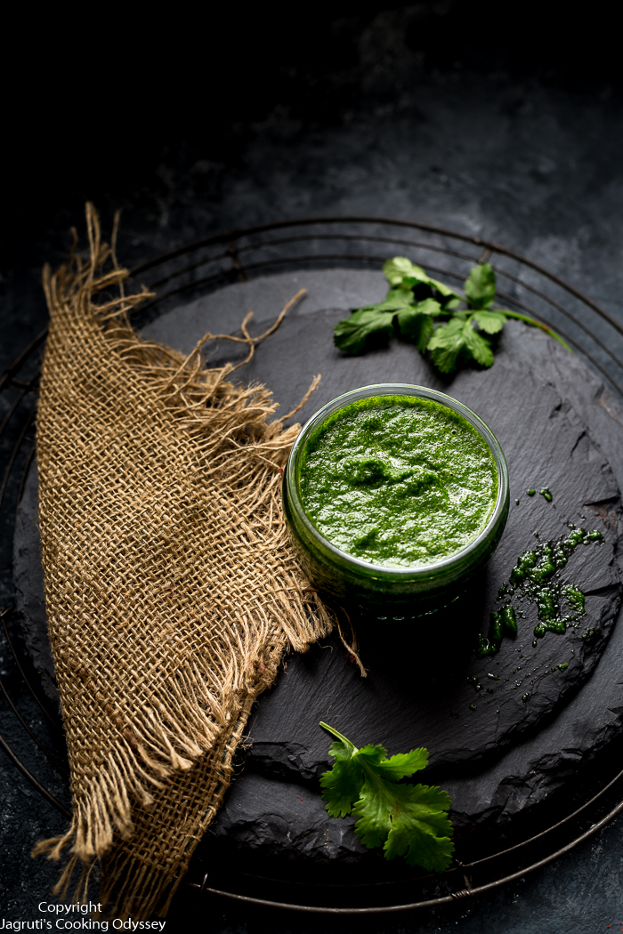 Green Mint and Coriander Chutney (Chutney for Chaat)