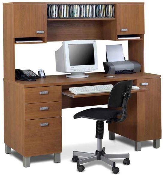 Meja Komputer Minimalis berbahan kayu yang kuat