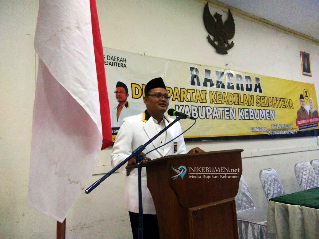 PKS Kebumen Lantik Tim Pemenangan Sudirman Said-Ida Fauziyah