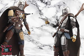 S.H. Figuarts The Mandalorian (Beskar Armor) 11