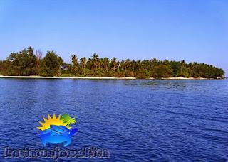salah satu pulau di kepulauan karimunjawa