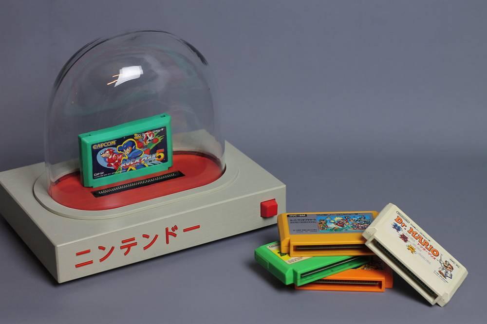 Pyua untuk main game dengan kaset Famicom (lovehulten.com)