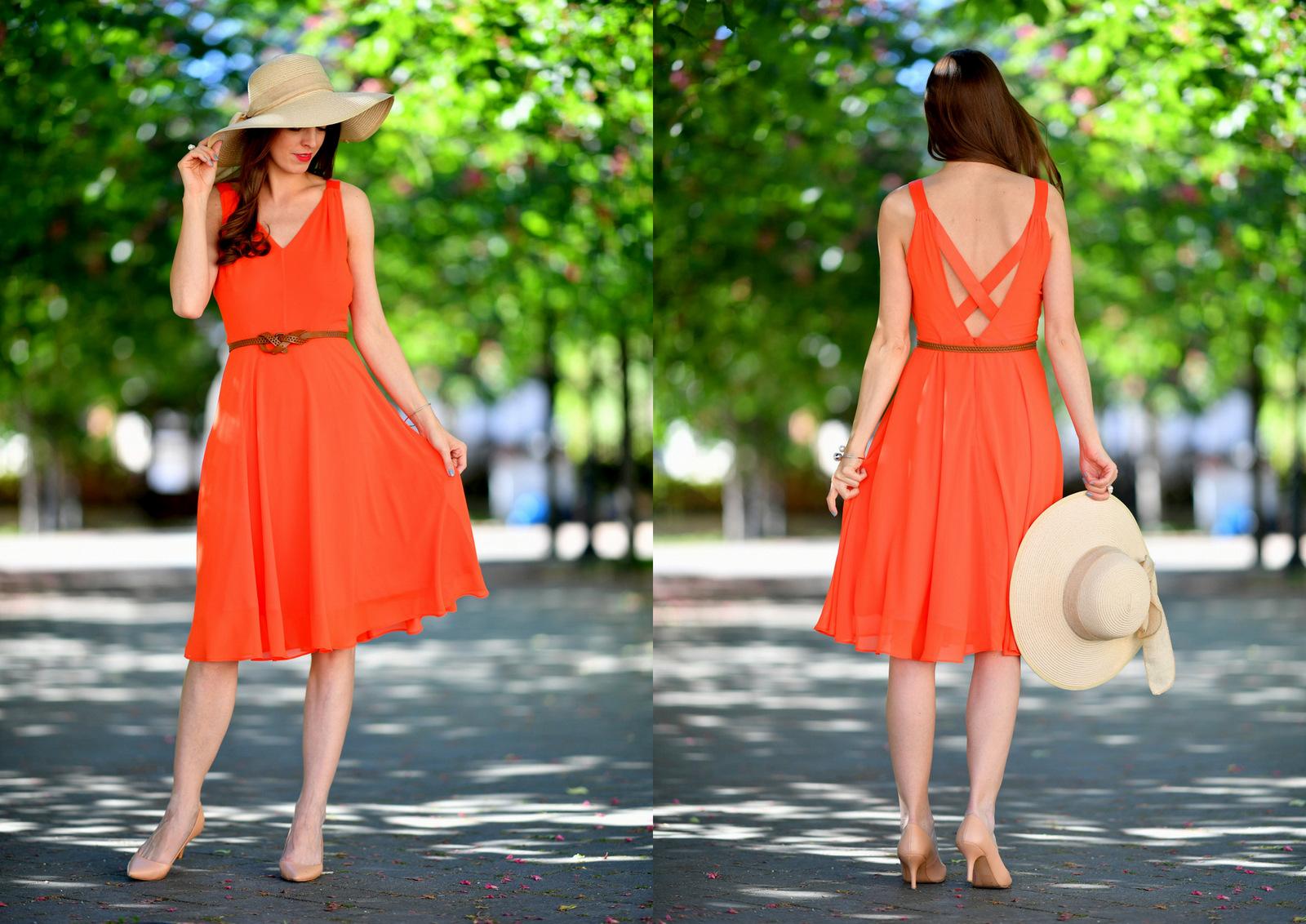 zažiarte v oranžových šatách na letnej svadbe alebo záhradnej párty // tipy ako zvoliť správne doplnky k šifónovým šatám
