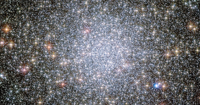 Globular star clusters like this one, 47 Tucanae, might be excellent places to search for interstellar civilizations. Their crowded nature means intelligent life at our stage of technological advancement could send probes to the nearest stars. Credit: NASA, ESA, and the Hubble Heritage Team