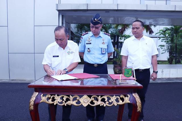 Bupati Muba Berikan Dua Unit Mobil Operasional Dinas ke Lapas dan STIH Rahmaniyah Sekayu