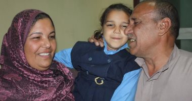 طبيب يعيد طفلة مخطوفة لاهلها بكفر الشيخ