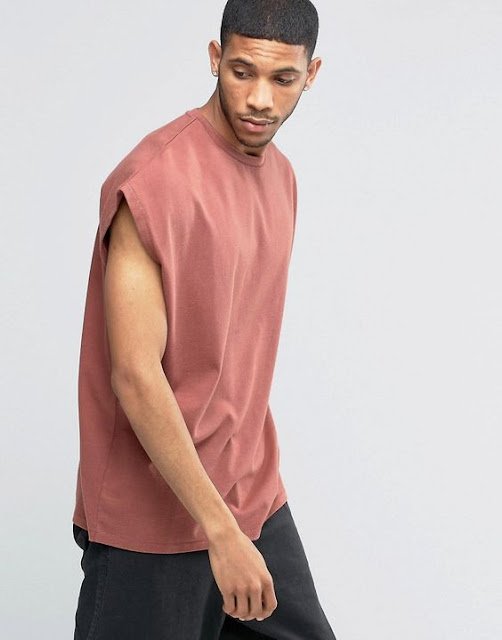 Look Masculino com camiseta sleeveless oversized