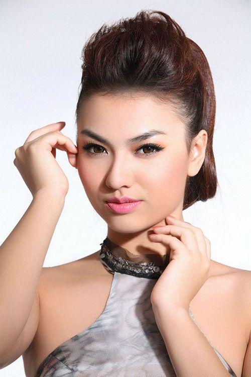 Người mẫu Hồng Quế lộ clip nóng có sự nghiệp thế nào?