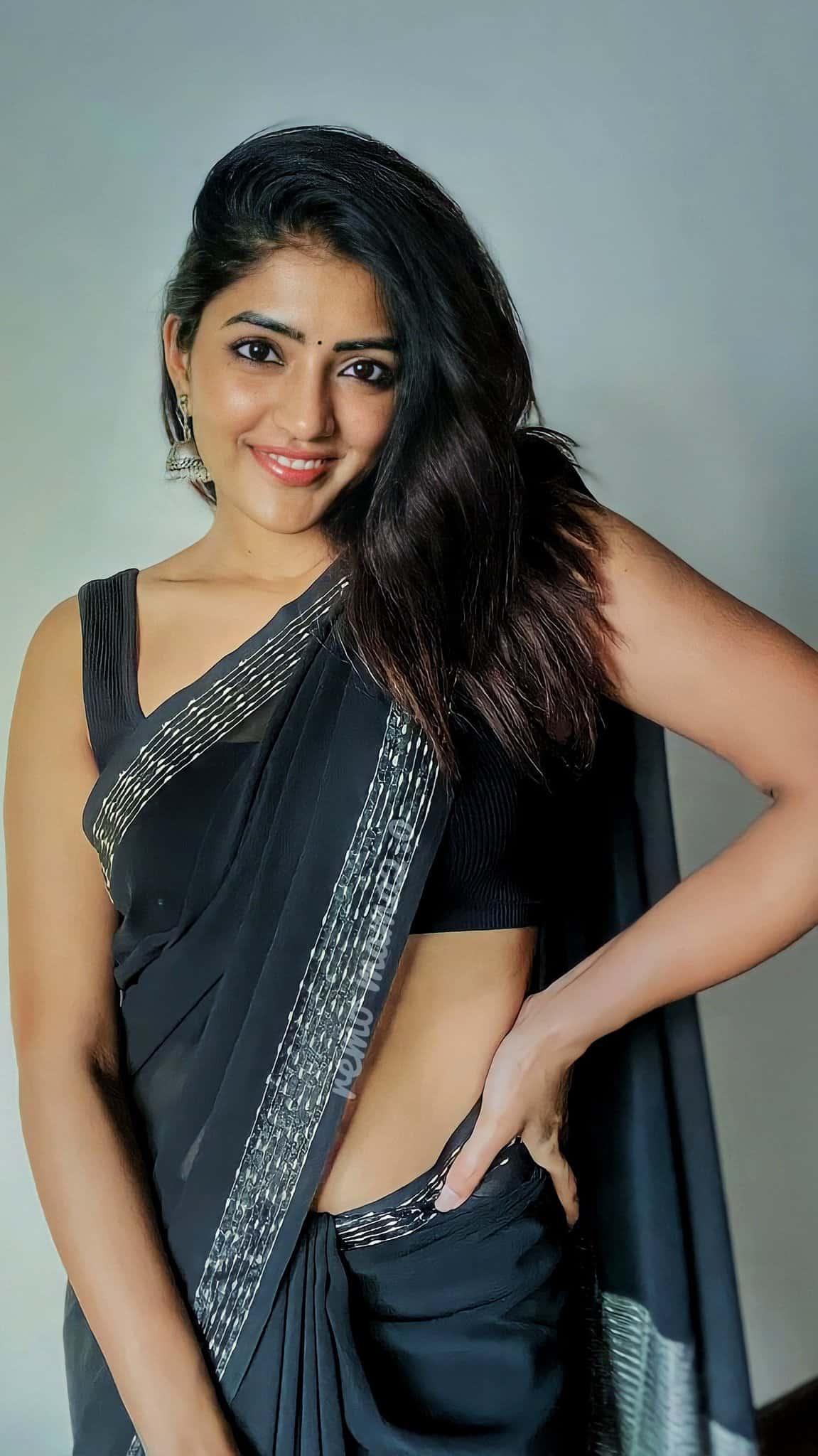 Eesha Rebba Sexy in Black Saree