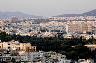 Οι Έλληνες αγοράζουν δειλά – δειλά ξανά ακίνητα