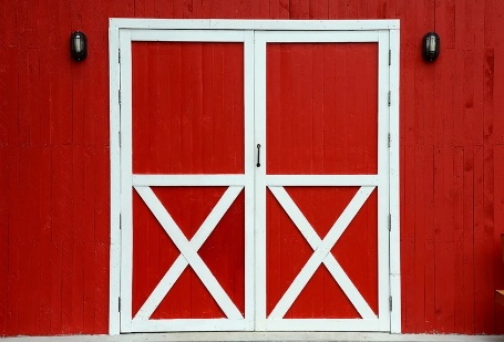 https://starbackdrop.com/products/red-barn-wooden-backdrop-for-picture