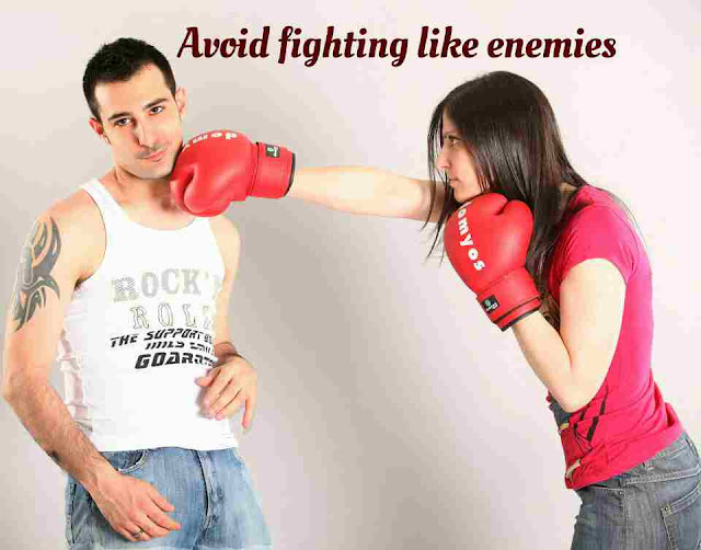 Avoid_fighting_like_enemies(an_image_to_show_couple_fights)
