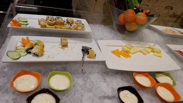 berbagai menu sarapan yang enak di hotel mercure jakarta