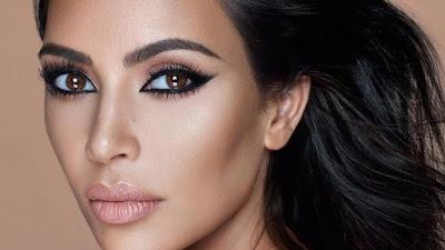 Kim Kardashian Launching Body Foundation, Buat Apa Saja?
