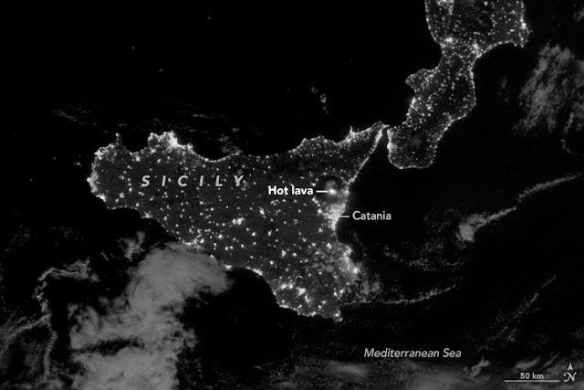 Vista da Sicília e do vulcão Etna no dia 16 de março de 2017, feita pelo satélite Suomi NPP, da NASA