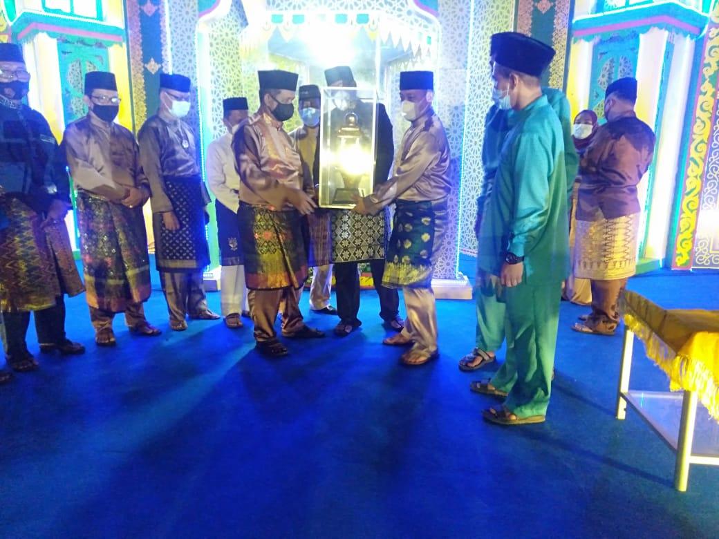 Bupati  Menutup Perhelatan STQ IX Tingkat Kabupaten Lingga