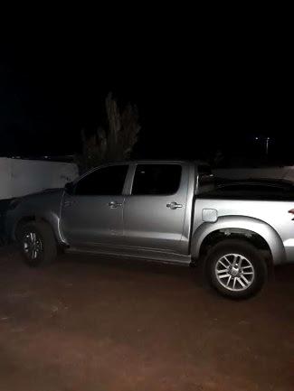 PM de Guajará-Mirim recupera caminhonete roubada em Nova Mamoré e vítimas ainda estavam trancadas