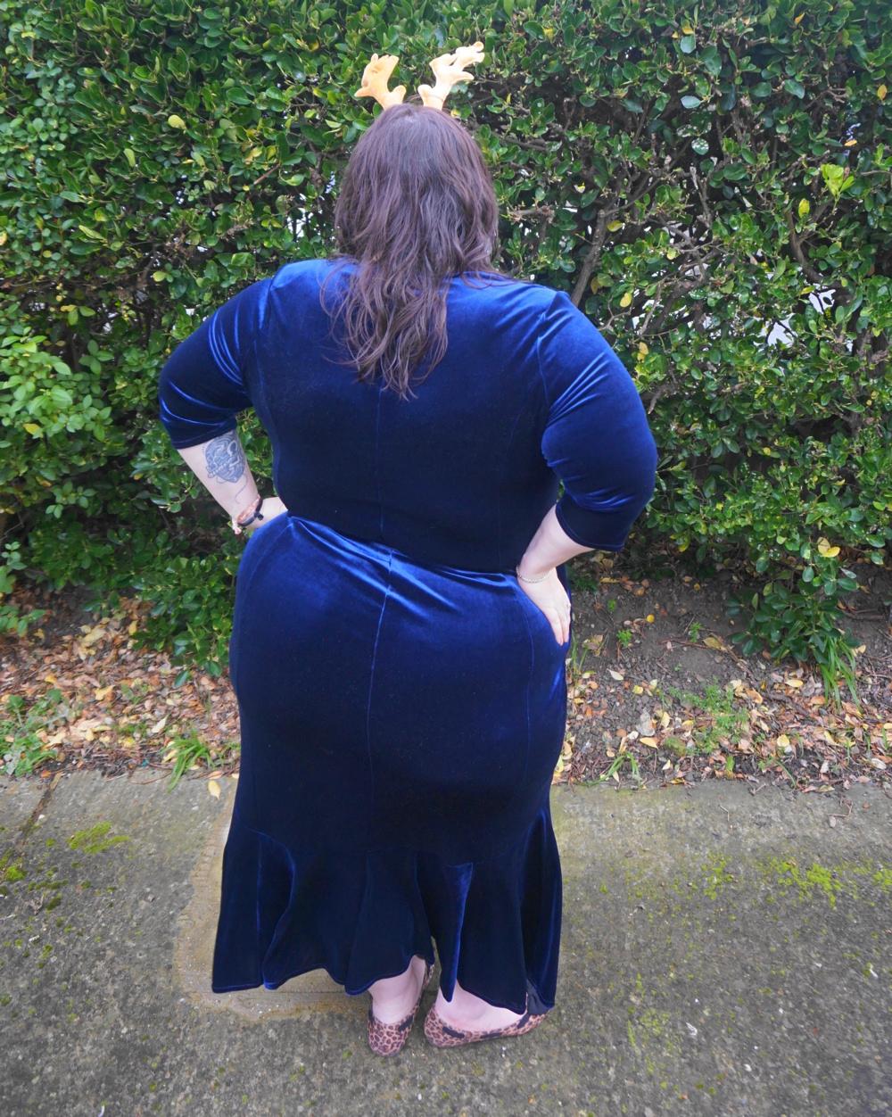 Scarlett and Jo Fishtail Velvet Maxi Dress in Midnight, deep navy plus size dress occasion dress Christmas dress, party dress, ball gown, white tie event, races, Ascot, award ceremony, plus size velvet dress,