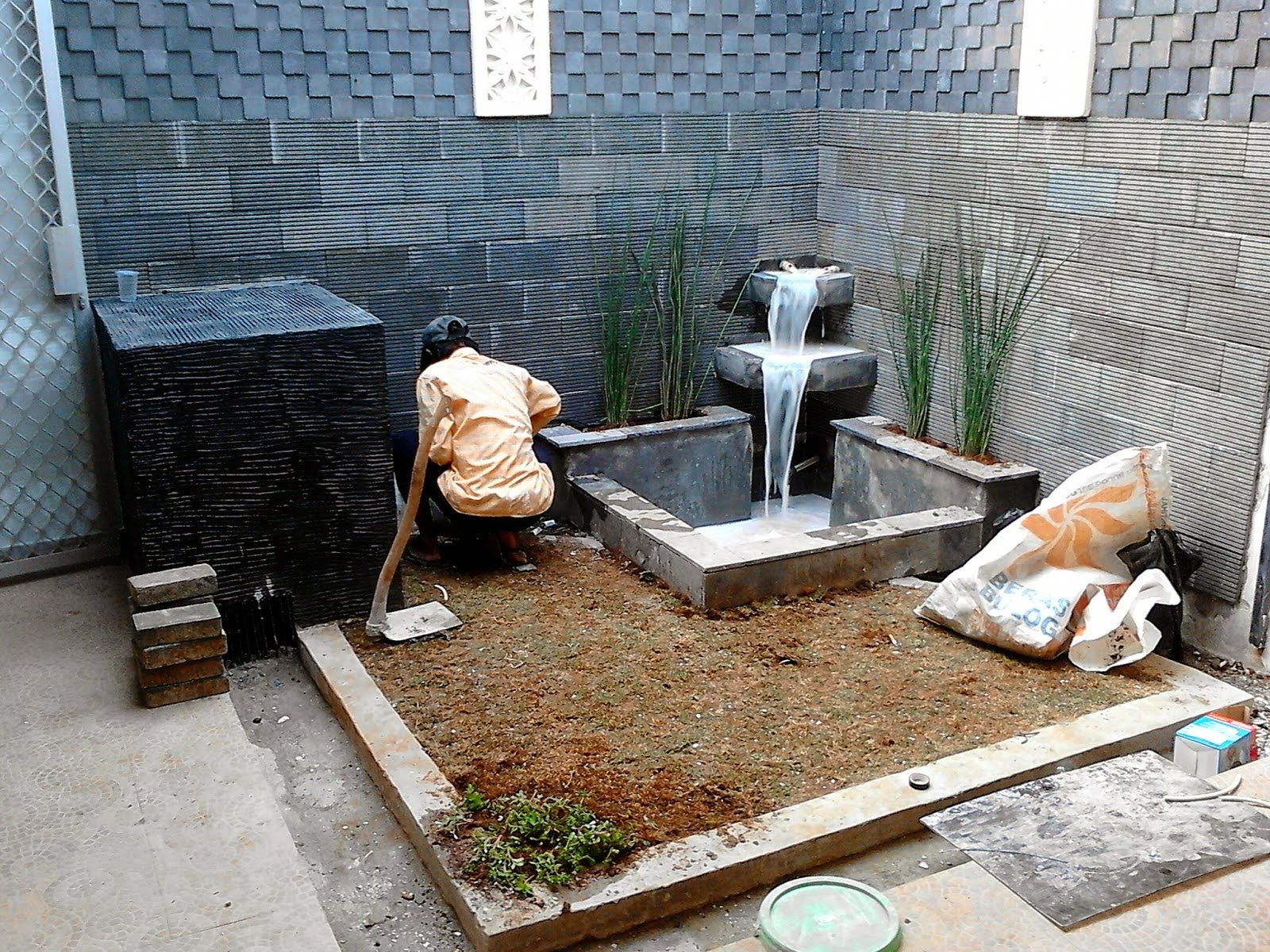 jasa pembuatan kolam hias di halaman rumah harga paling murah