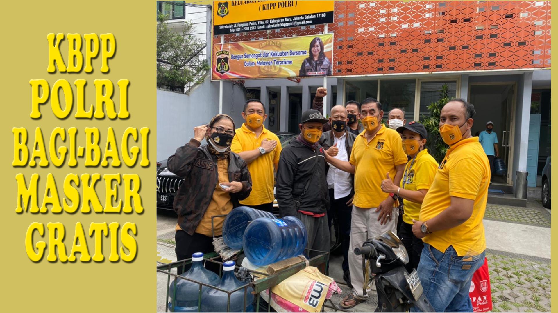 KBPP Polri Bagi-Bagi Masker Gratis kepada Masyarakat di Depan Kantor DPP