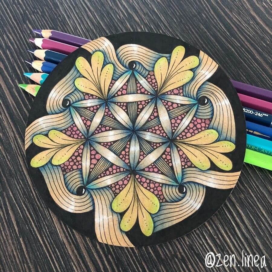 03-Zen-Linea-Zentangle-Drawings-a-Morphing-Style-www-designstack-co