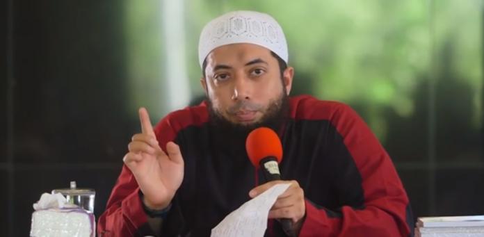 Ustadz Khalid Basalamah: Kita Wajib Taati Presiden