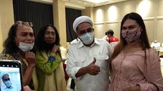 Temui Waria Surabaya, Ngabalin: Ini Mandat Presiden